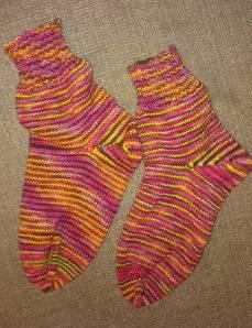 toe-up sock knitting
